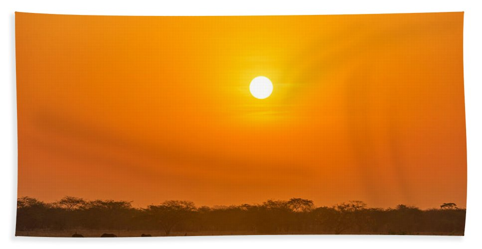Sunrise Hand Towel featuring the photograph Sunrise On The Plains by Jess Kraft