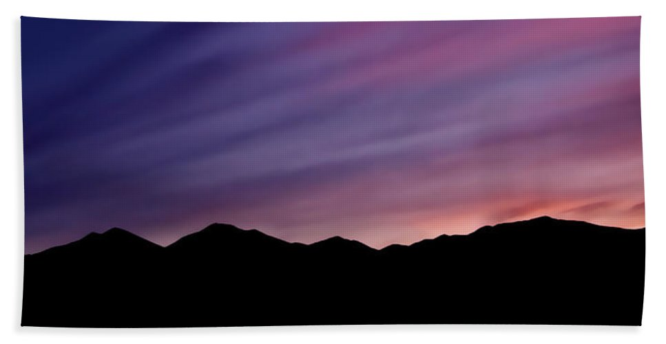 Salt Lake City Bath Towel featuring the photograph Sunrise Over The Mountains by Rona Black