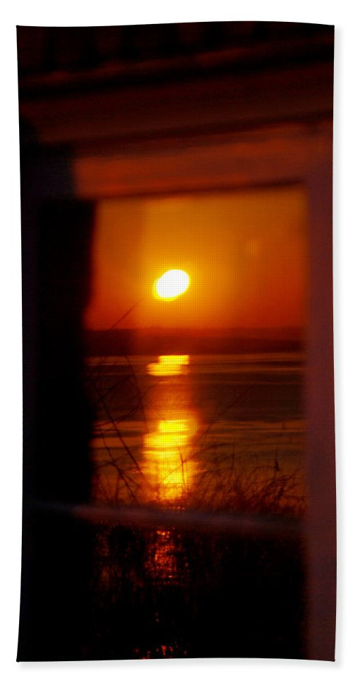 Sunrise Hand Towel featuring the photograph Sunrise Refection by Tracy Winter