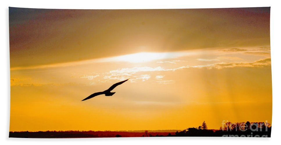 Sunset Bath Sheet featuring the photograph Sunscaped by Joe Geraci