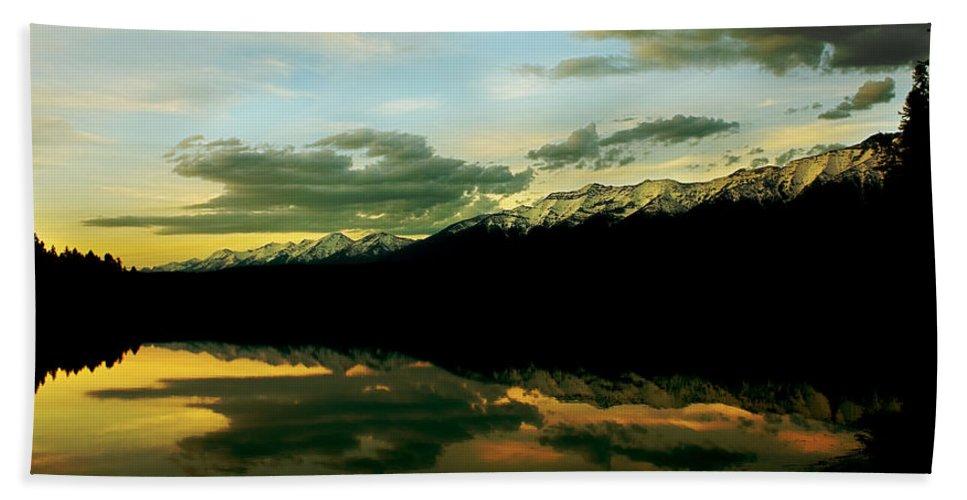 Mountains Bath Sheet featuring the photograph Sunset 1 Rainy Lake by Janie Johnson