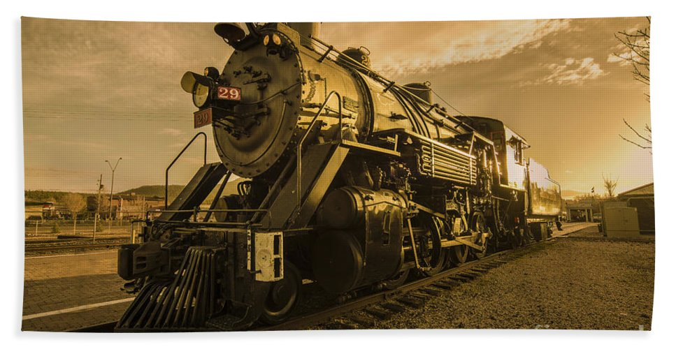 Grand Hand Towel featuring the photograph Sunset 29 by Rob Hawkins