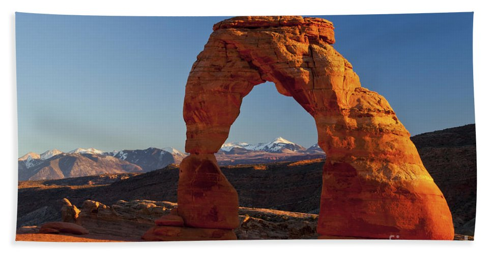 Delicate Arch Bath Sheet featuring the photograph Sunset At Delicate Arch by Bob Phillips