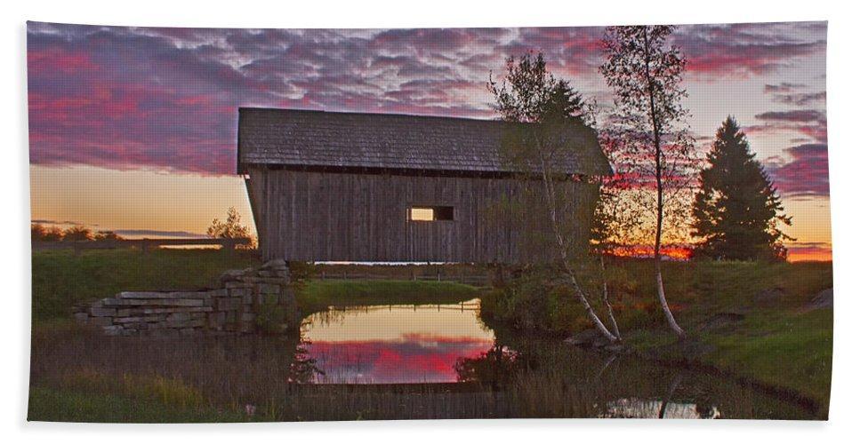Sunset Bath Sheet featuring the photograph Sunset At Foster Bridge by John Vose