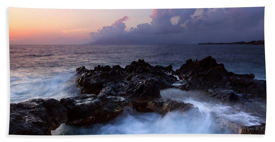 Churn Bath Towel featuring the photograph Sunset Churn by Mike Dawson