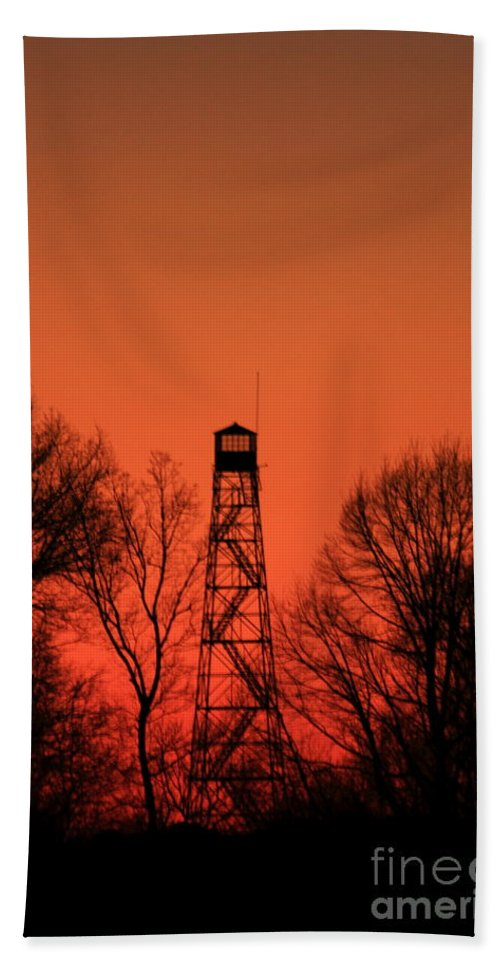 Reid Callaway Fire Tower Hand Towel featuring the photograph Sunset Fire Tower In Oconee County by Reid Callaway