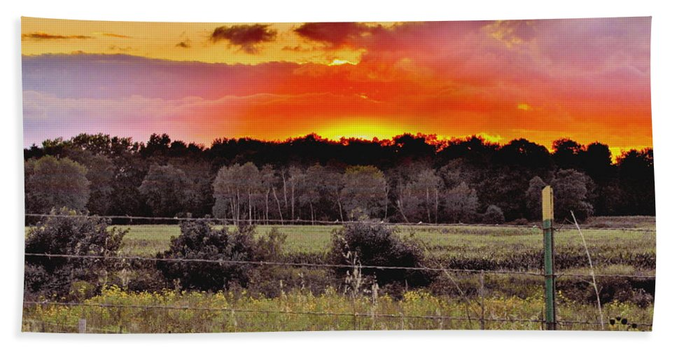 Sunset Sky Hand Towel featuring the photograph Sunset Meadow by Marilyn Smith