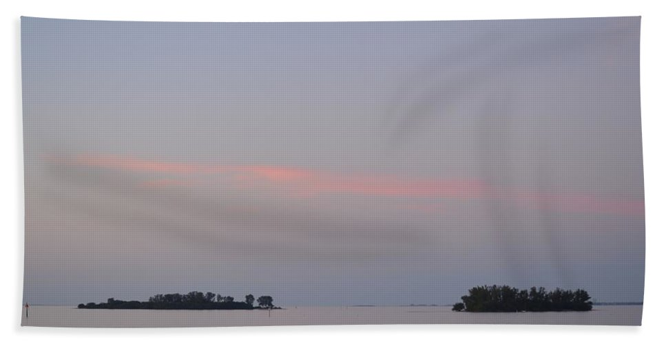 Florida Hand Towel featuring the photograph Sunset On The Gulf Of Mexico by Linda Kerkau