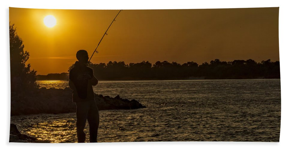 Sunset Hand Towel featuring the photograph Sunset On The River by David Kay