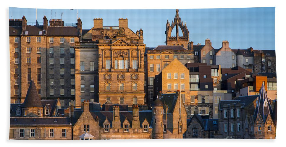 Apartments Bath Sheet featuring the photograph Sunset Over Edinburgh by Brian Jannsen