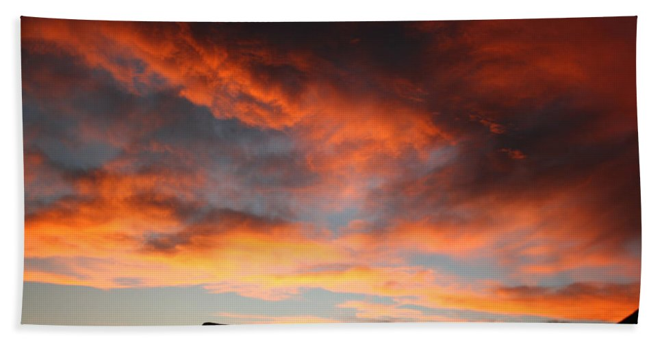 Sunset Hand Towel featuring the photograph Sunset Over Estes Park by Angie Schutt