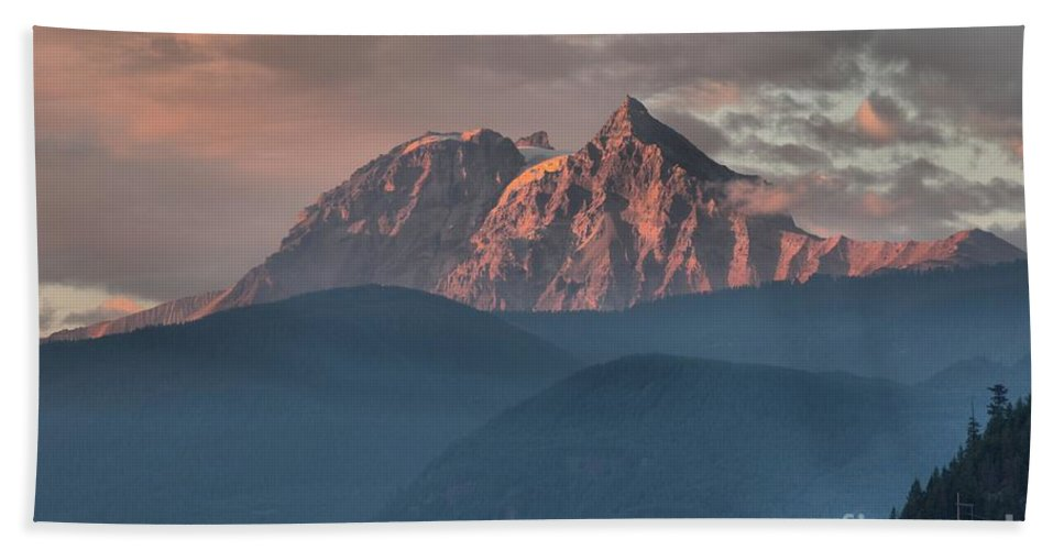 British Columbia Sunset Bath Sheet featuring the photograph Sunset Over The Tantalus Mountains In Squamish by Adam Jewell