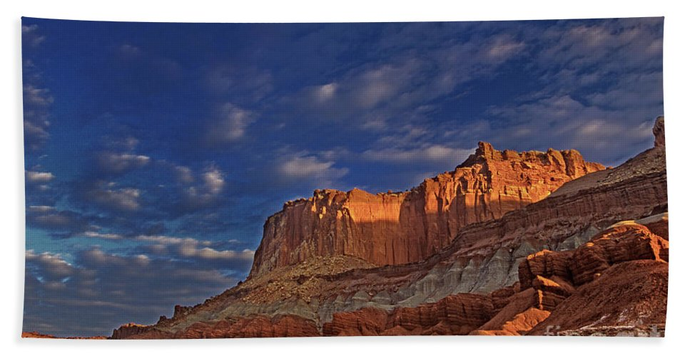 North America Hand Towel featuring the photograph Sunset Over The Waterpocket Fold Capitol Reef National Park by Dave Welling