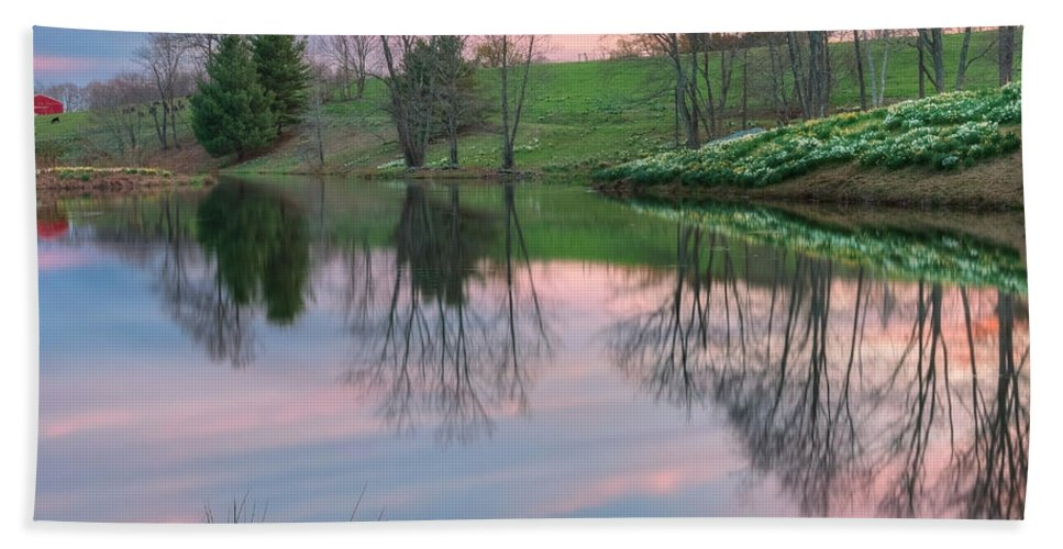 Daffodil Bath Sheet featuring the photograph Sunset Reflections Square by Bill Wakeley