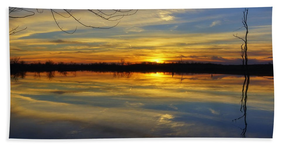 Sunset Hand Towel featuring the photograph Sunset Riverlands West Alton Mo Dsc03329 by Greg Kluempers