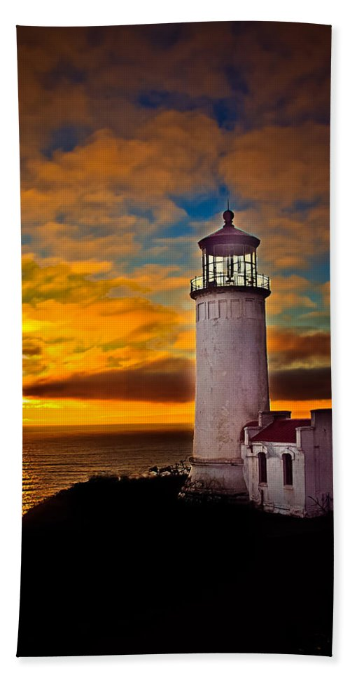 Lighthouse Bath Sheet featuring the photograph Sunset by Robert Bales
