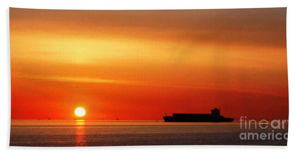 Crosby Beach Liverpool Bath Sheet featuring the photograph Sunset Silhouette by John Wain