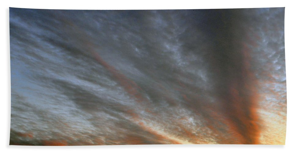 Color Hand Towel featuring the photograph Sunset Sky With Cirrocumulus Clouds Usa by Sally Rockefeller