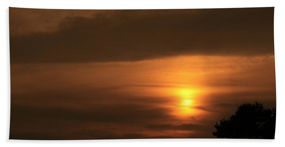 Sunset Bath Sheet featuring the photograph Sunset Valley by Neal Eslinger
