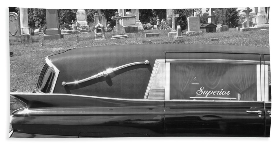 Superior Hearse Laurel Hill Cemetary Philadelphia Pa Car Show Black White Bath Sheet featuring the photograph Superior by Alice Gipson