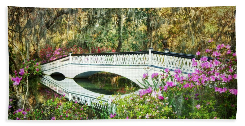 Magnolia Plantation Canvas Print Bath Sheet featuring the digital art Surrounded By Spring by Claudia Kuhn
