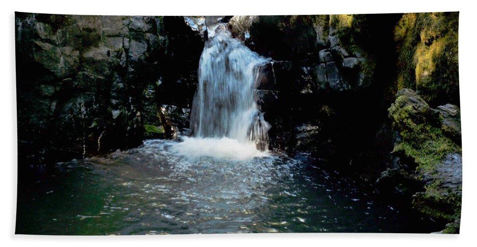 Bath Sheet featuring the photograph Susan Creek Falls Series 4 by Teri Schuster