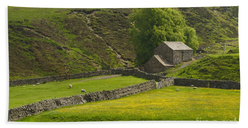 Stone Barn Hand Towel featuring the photograph Swaledale Landscape by Louise Heusinkveld