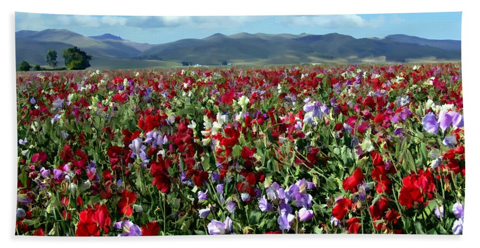 Flowers Bath Towel featuring the photograph Sweet Peas Forever by Kurt Van Wagner