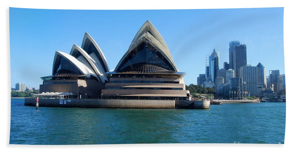Sydney Hand Towel featuring the photograph Sydney Opera House by Catherine Sherman