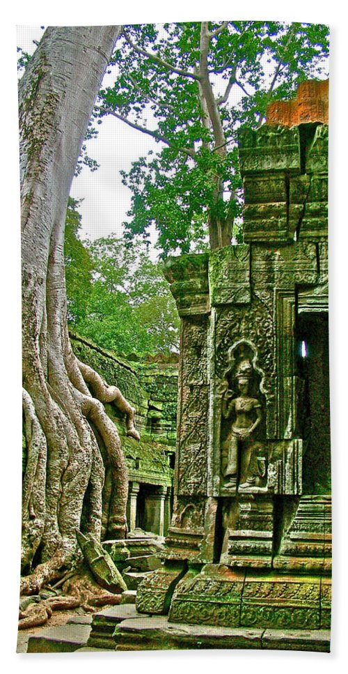 Ta Prohm And Tree Invasion In Angkor Wat Archeologial Park Near Siem Reap Bath Sheet featuring the photograph Ta Prohm And Tree Invasion In Angkor Wat Archeologial Park Near Siem Reap-cambodia by Ruth Hager