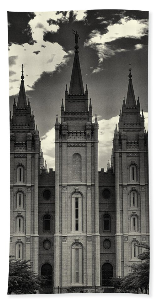 Joshua House Photography Bath Sheet featuring the photograph Temple Square Black And White by Joshua House