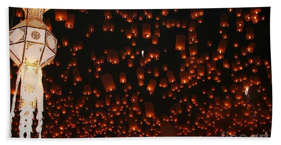 Thailand Bath Sheet featuring the photograph Ten Thousand Lantern Launch by Nola Lee Kelsey