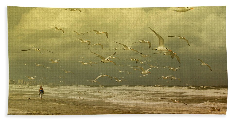 Terns Bath Towel featuring the photograph Terns In The Clouds by Deborah Benoit