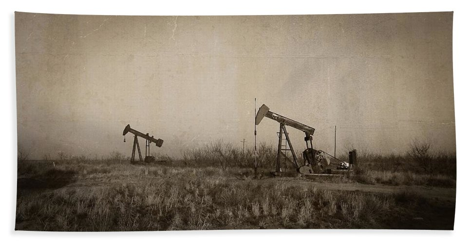 Oil Pumps Hand Towel featuring the photograph Texas Tea by Ken Smith
