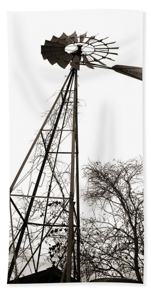 Wind Hand Towel featuring the photograph Texas Windmill 2 by Marilyn Hunt