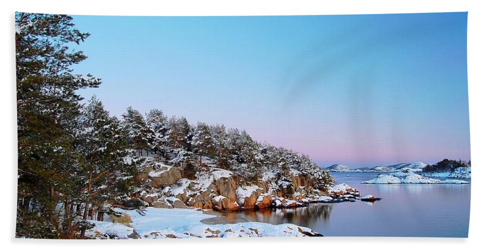 Norway Hand Towel featuring the photograph The Beach In December by Sonya Kanelstrand