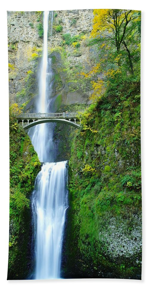 Waterfalls Bath Sheet featuring the photograph The Beauty Of Multnomah Falls by Jeff Swan