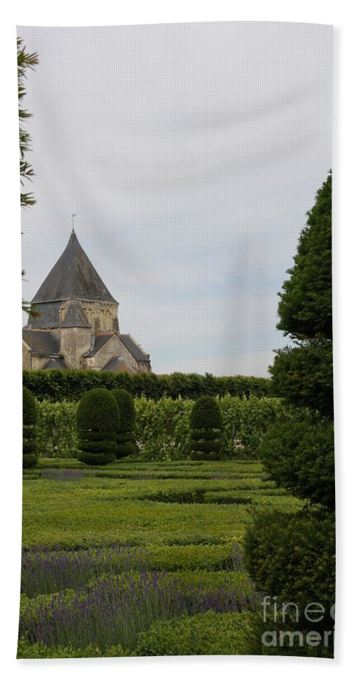 Boxwood Bath Sheet featuring the photograph The Boxwood Garden - Villandry by Christiane Schulze Art And Photography