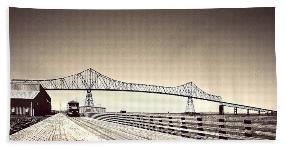 Columbia River Hand Towel featuring the photograph The Bridge At Astoria by David Coleman