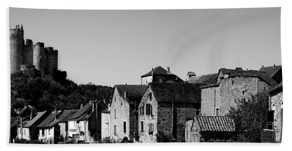 Najac Hand Towel featuring the photograph The Castle Above The Village Panorama In Black Nd White by Weston Westmoreland