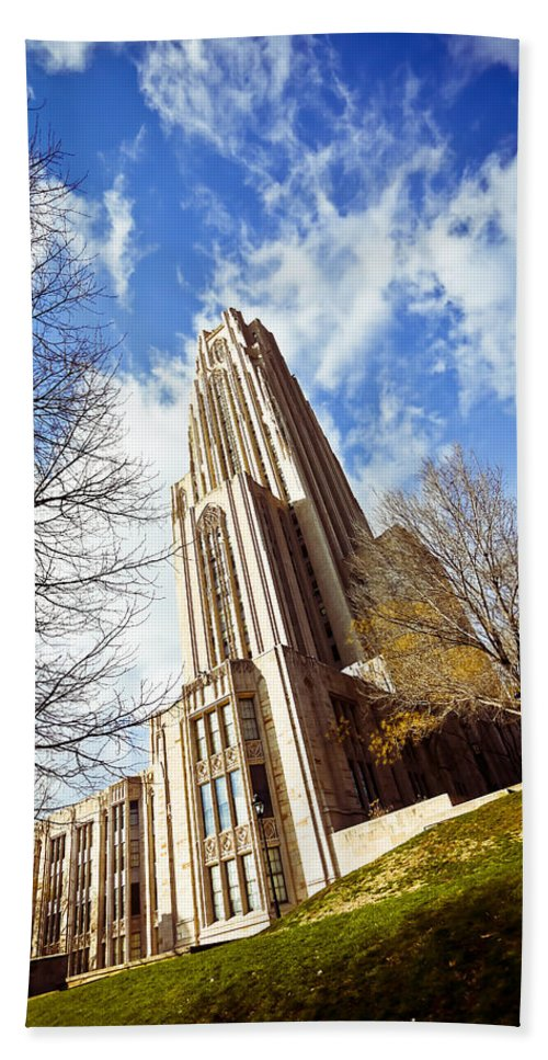 Cathedral Of Learning Pittsburgh Pa Oakland Pitt University College Education Taaffe Urban Panthers Students Frat Europe Andy Warhol Warhola East Pittsburgh Forbes Field Honus Wagner Bath Sheet featuring the photograph The Cathedral Of Learning 1 by Jimmy Taaffe