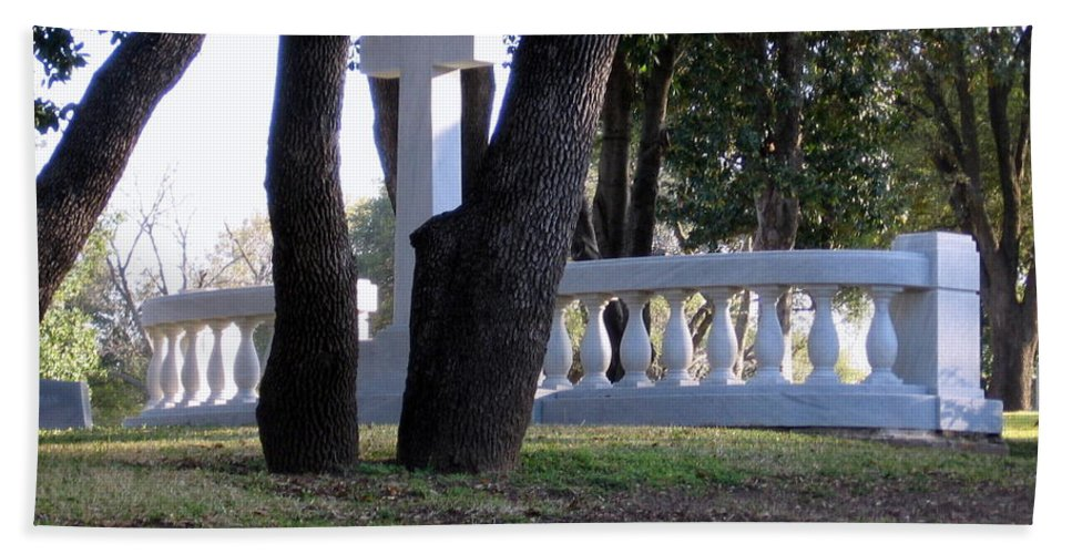 Cemetery Hand Towel featuring the photograph The Cross Through The Trees by Amy Hosp