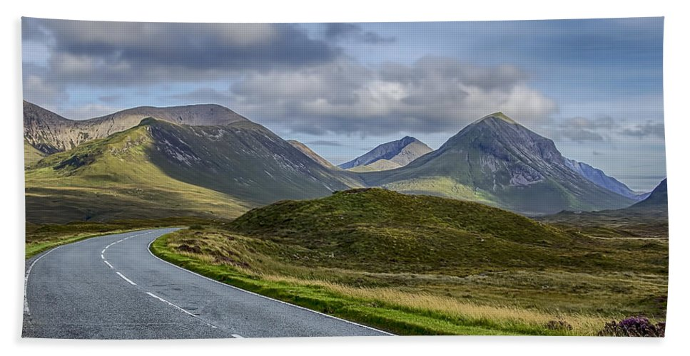 Cuillin Mountains Bath Sheet featuring the photograph The Cuillin Mountains Of Skye 2 by Chris Thaxter