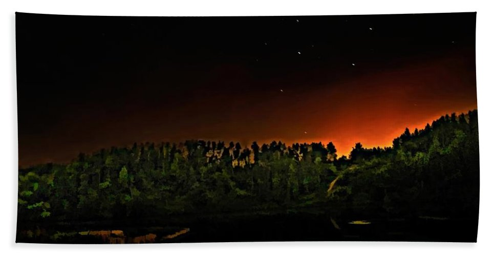 Big Dipper Hand Towel featuring the photograph The Dipper by Steve Harrington