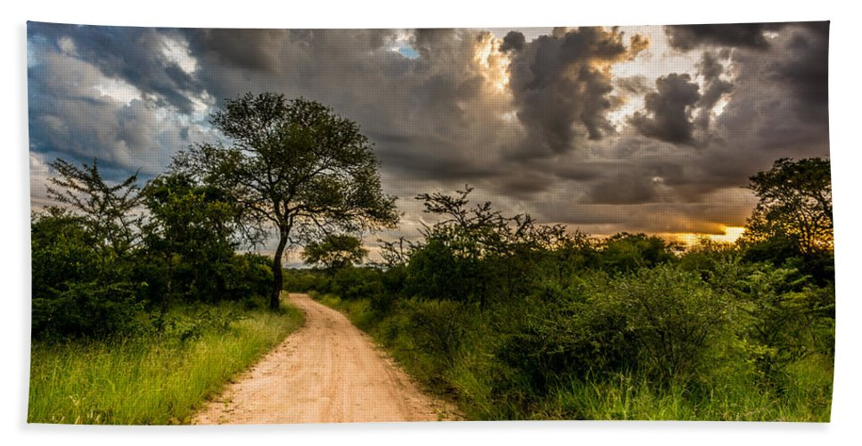 Road Hand Towel featuring the photograph The Dirt Road by Andrew Matwijec