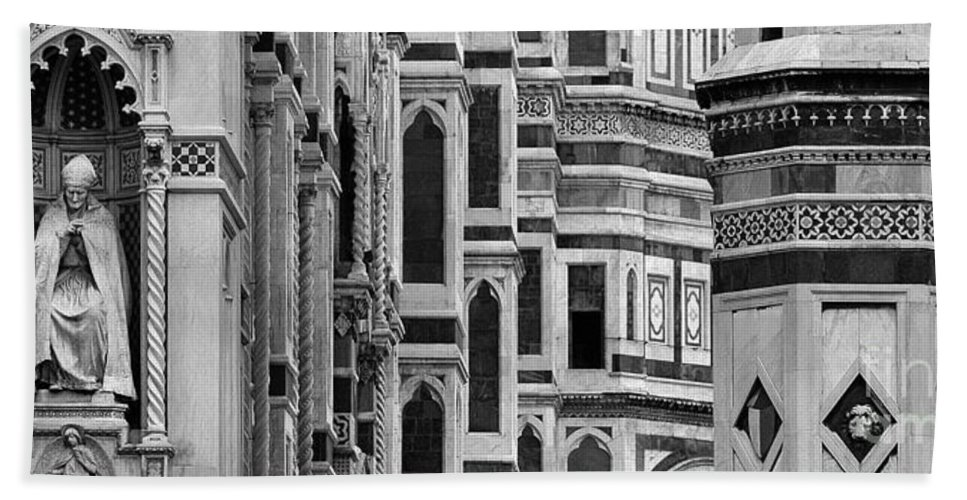 The Duomo Hand Towel featuring the photograph The Duomo Black And White by Mike Nellums