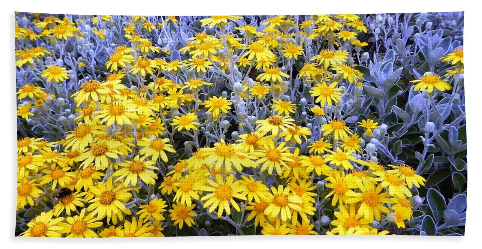 Flowers Hand Towel featuring the photograph The Field Of Wonder by Loreta Mickiene