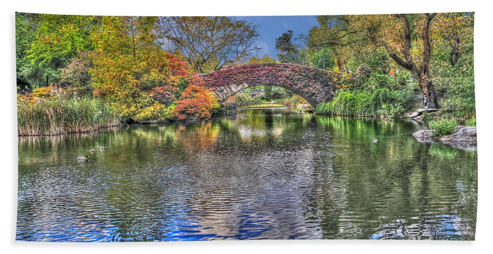 The Gapstow Bridge Hand Towel featuring the photograph The Gapstow Bridge At The Pond In Central Park Manhattan 2 by Randy Aveille