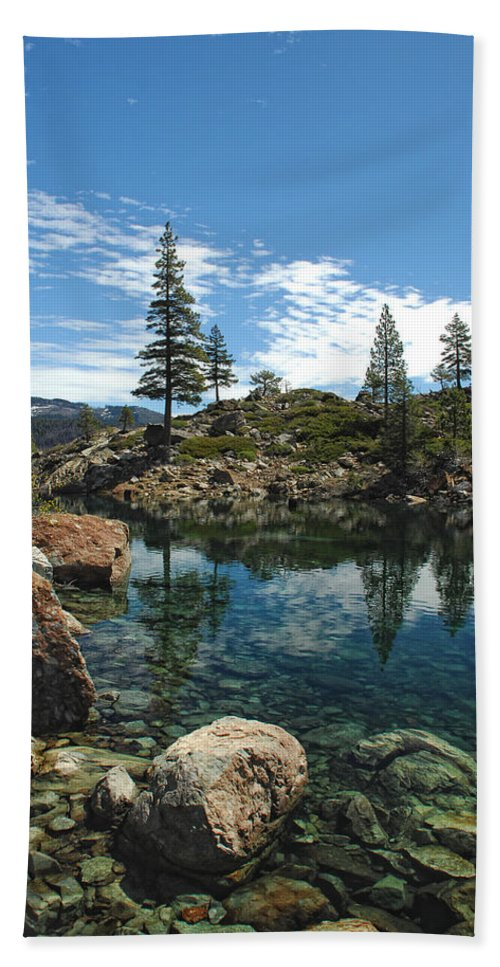 Country Bath Sheet featuring the photograph The Great Outdoors by Donna Blackhall