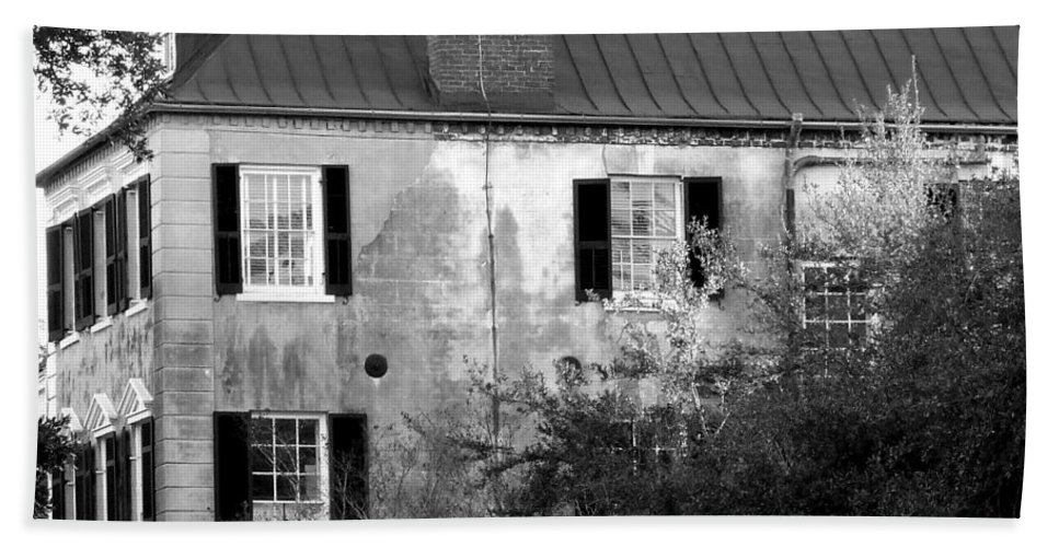 House Hand Towel featuring the photograph The House by Andrea Anderegg